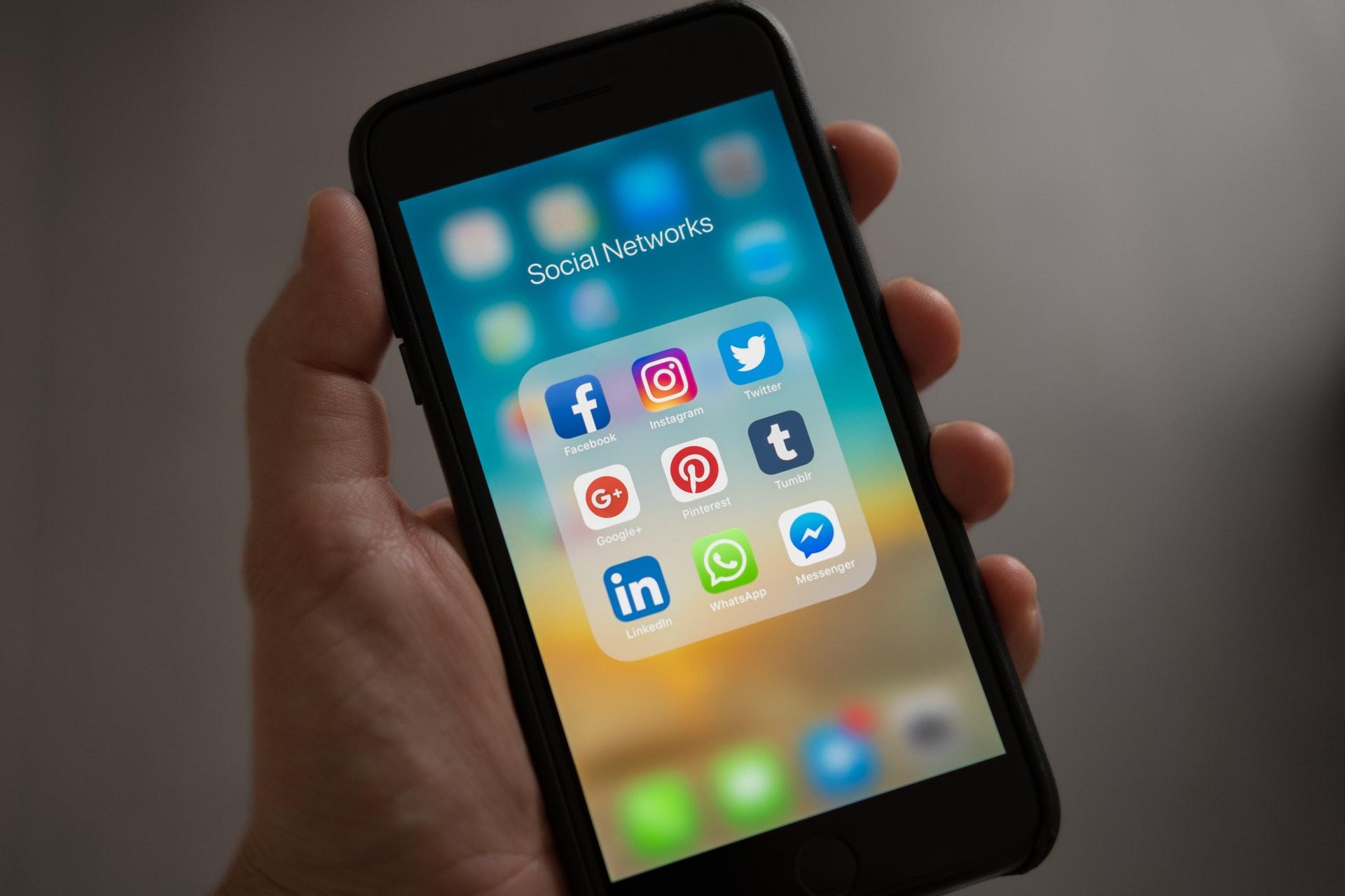 social signals, social media